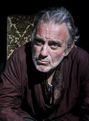 ... nous revient à travers un spectacle de <b>Renaud Cojo</b> au théâtre de ... - mort-a-credit